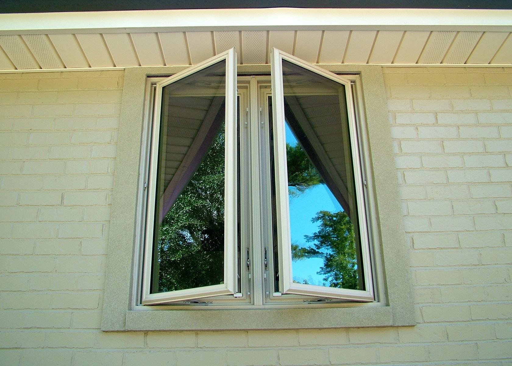 Vinyl window contractors in new orleans louisiana double for Vinyl insulated windows
